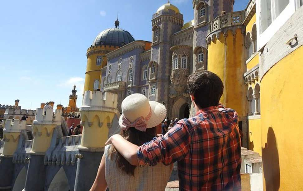 Sintra, Cascais and Pena Palace Guided Tour from Lisbon